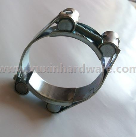 Pipe clamps for heavy duty using